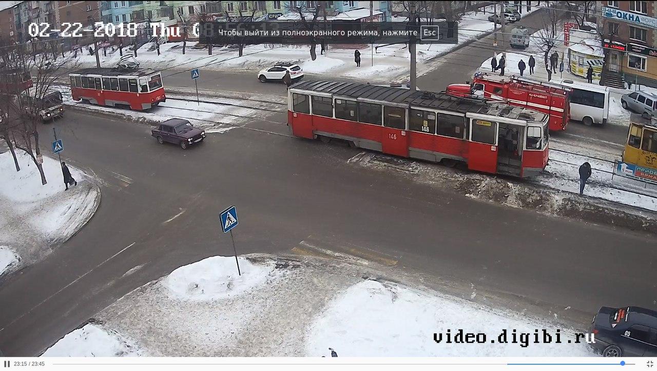 На Алтае произошло ДТП с участием скорой помощи и трамвая. По данным паблика в ВК «Инцидент Бийск», авария произошла на пересечении улиц Васильева и Ленинградской.