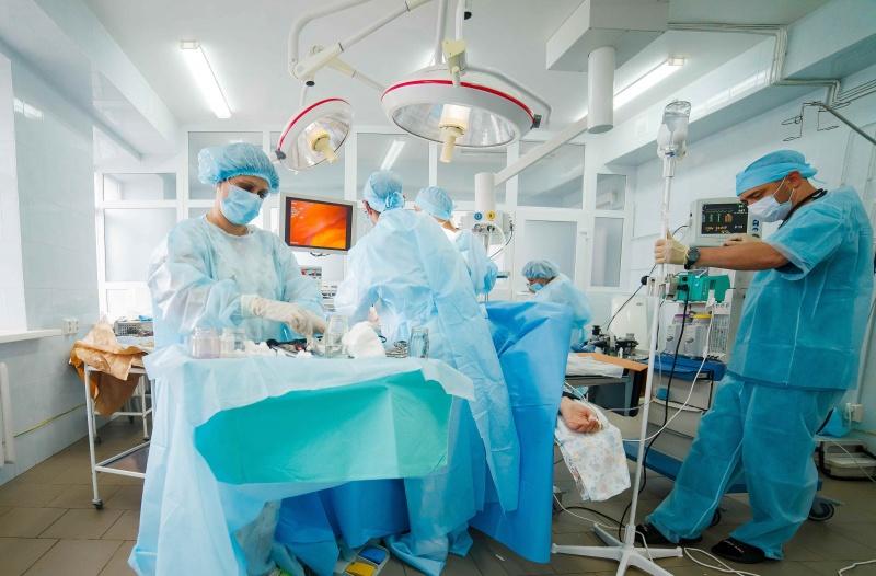 В Тюмени врачи удалили соответствующую 19-ти неделям беременности опухоль