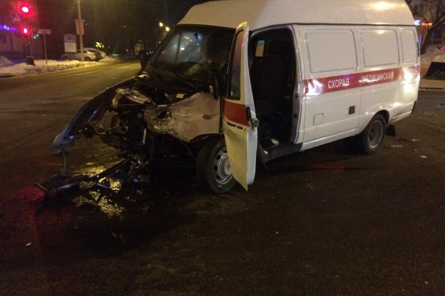 В Перми в ДТП со скорой пострадали шесть человек