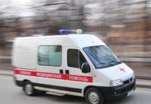 В Прокопьевске пострадали четыре человека из-за опрокидывания скорой помощи