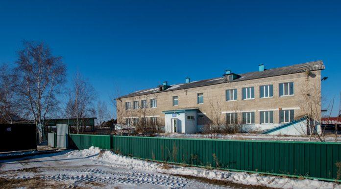 В Амурском селе здание закрытого детдома реконструируют под жильё врачам