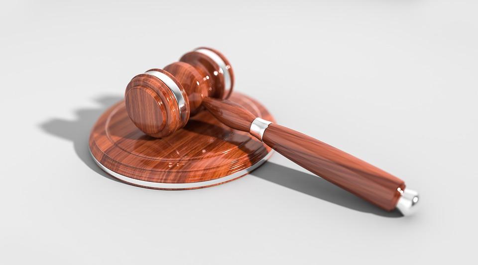 В Магнитогорске водителя КамАЗа осудили на два года за смертельное ДТП со скорой