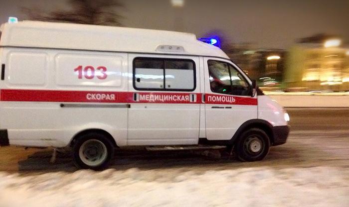В Челябинске неизвестные обстреляли машину скорой помощи