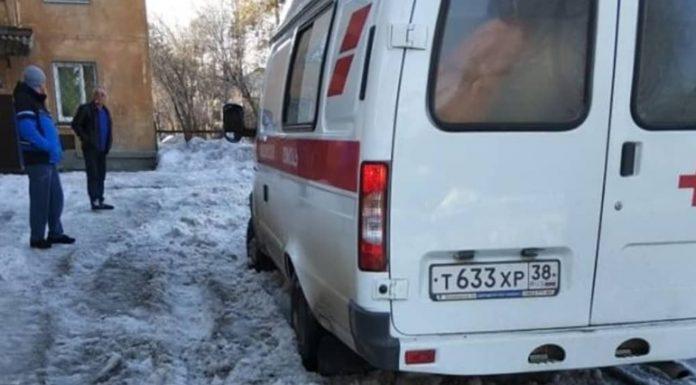 В Иркутской области скорая помощь не может добраться до пациентов из-за снежных завалов