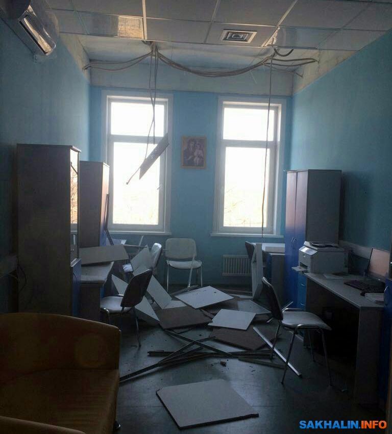 На Сахалине в новом перинатальном центре обвалился потолок