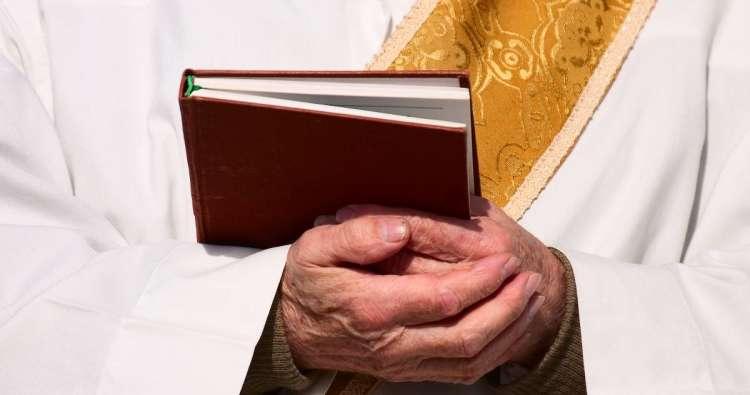 Белгородские чиновники отрицают принудительное доабортное консультирование у священников