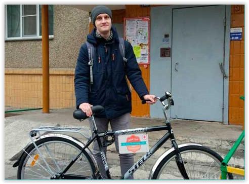 Челябинская поликлиника выделила участковому педиатру велосипед для работы