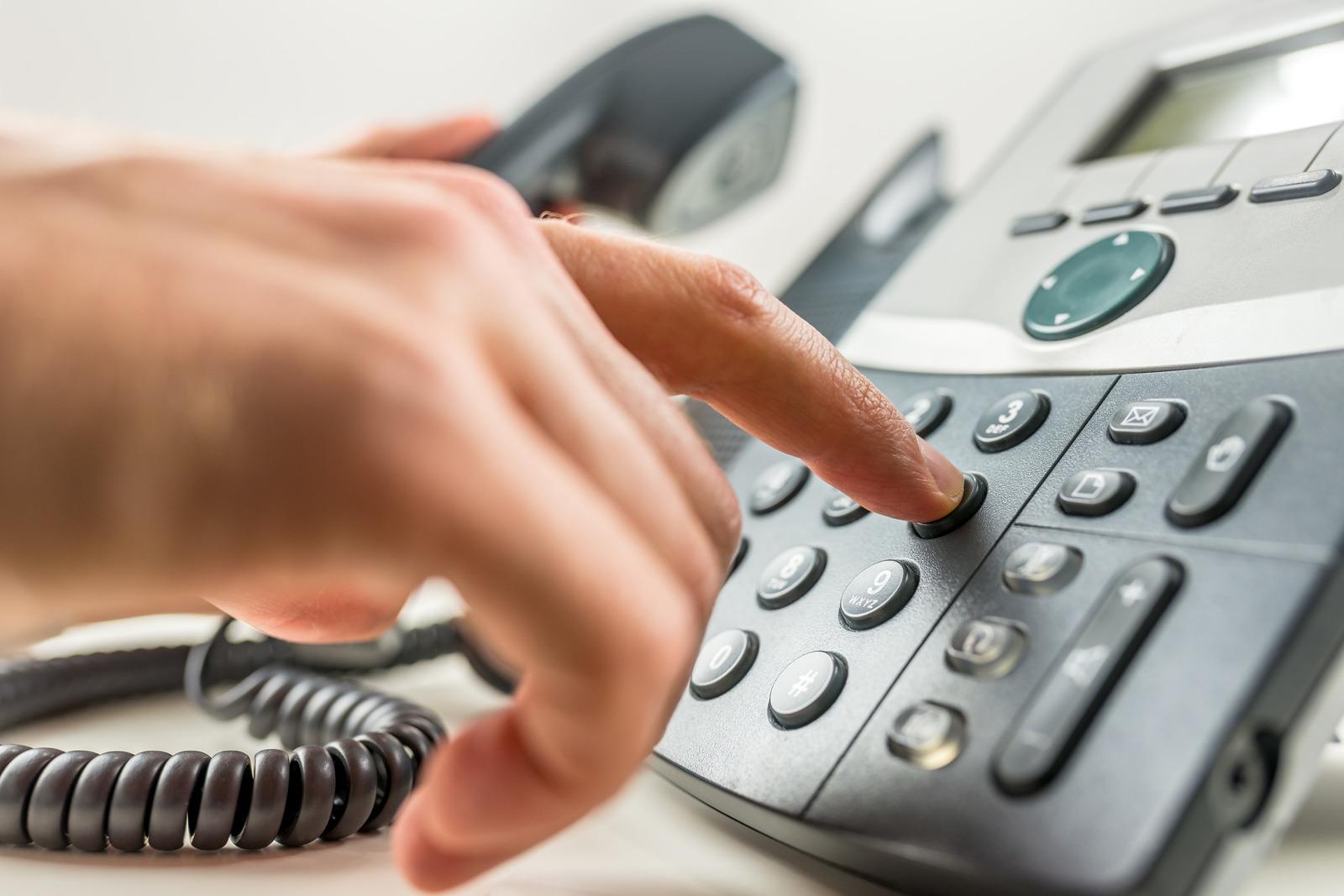 Симферопольцы не могут дозвониться в скорую из-за кражи кабеля
