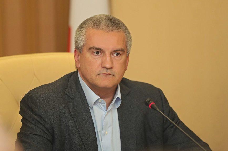 Глава Крыма поручил окончательно ликвидировать талоны в медучреждениях до 10 июня