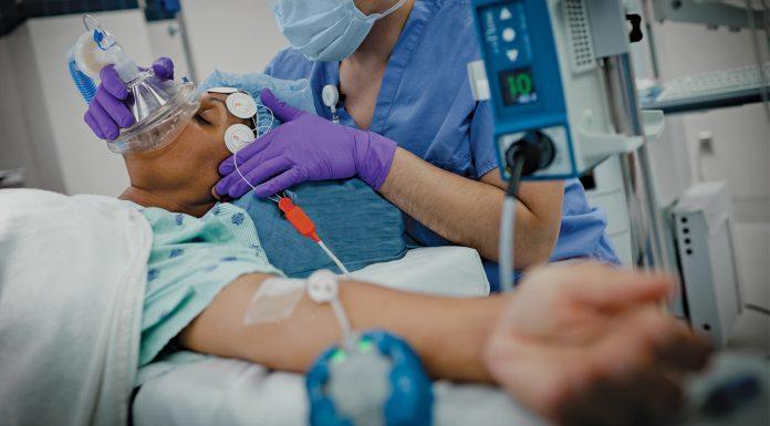 В Госдуме планируют законодательно заставить врачей пускать в реанимацию родственников