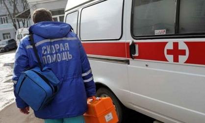 В Хакасии пьяная компания избила фельдшера скорой