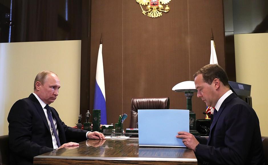 Путин одобрил предложение Медведева о переназначении Скворцовой министром здравоохранения