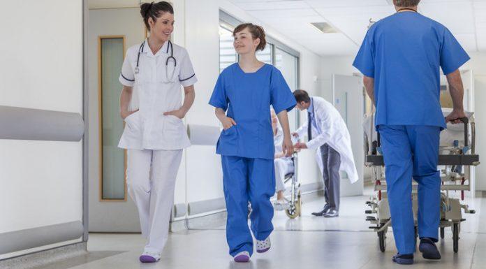 Губернатор МО призвал глав районов лично заниматься привлечением врачей