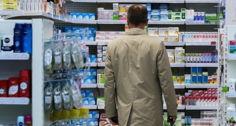 Коммерсант: Правительство отказалось продавать лекарства в супермаркетах