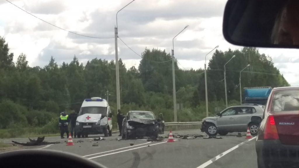 На федеральной трассе в Тихвинском районе Ленобласти произошло ДТП с участием скорой помощи. Об этом сообщили очевидцы в группе «ДТП и ЧП | Санкт-Петербург | Питер Онлайн | СПб».