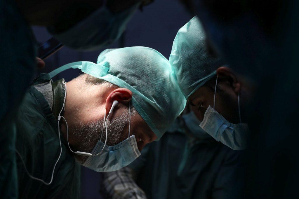 """Болезнь врачебного """"одиночества"""" в хирургии"""