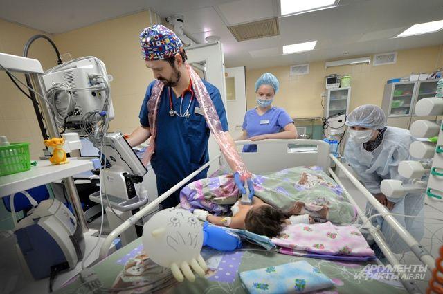 В последние годы в стационарах Ярославской области идёт сокращение больничных коек, в том числе в педиатрии. Врач-педиатр Любовь Разборова