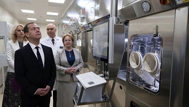 Медведев: Необходимо уделить особое внимание ранней диагностике онкозаболеваний
