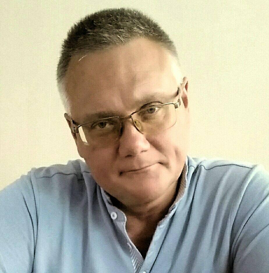 Первый проректор в Высшей школе организации и управления здравоохранением Николай Прохоренко