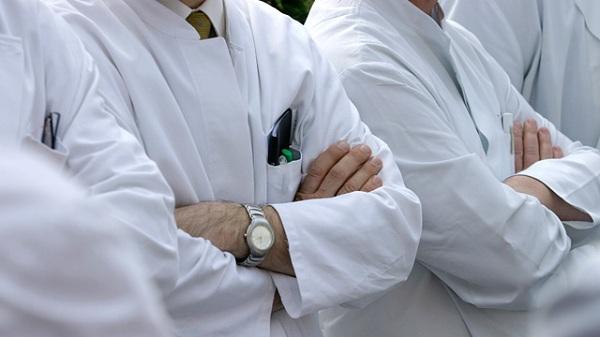 """""""Не поможет и самосожжение"""": Почему медики не дождутся защиты от государства"""