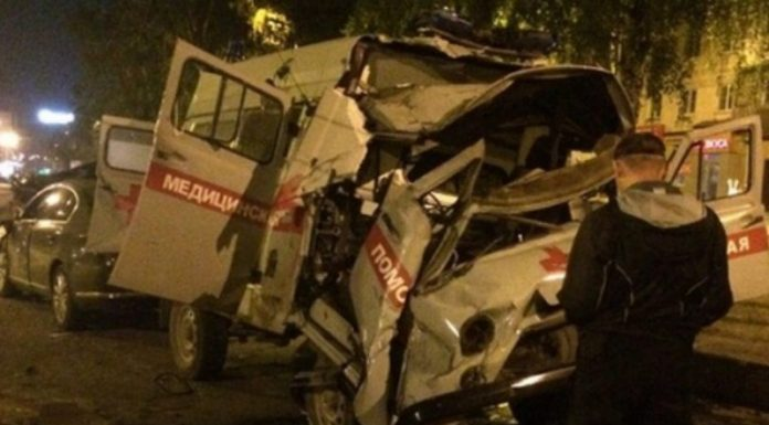 В ДТП со скорой в Новокузнецке погиб врач (ФОТО, ВИДЕО)