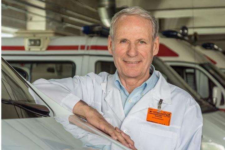 Главный врач Абаканской городской клинической станции скорой помощи (Хакасия)Виктор Асакалов