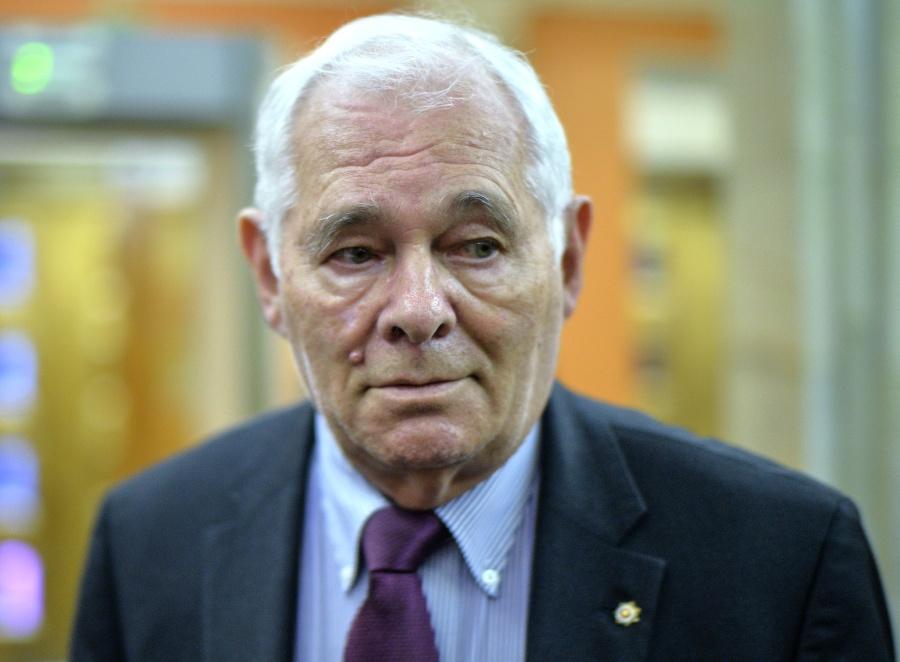Рошаль предложил обсудить в профсообществе сохранение досрочных пенсий медработникам