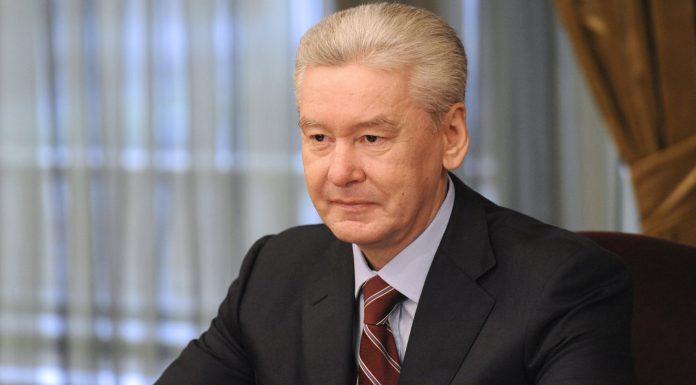 Собянин учредил надбавки к зарплатам школьных медиков Москвы