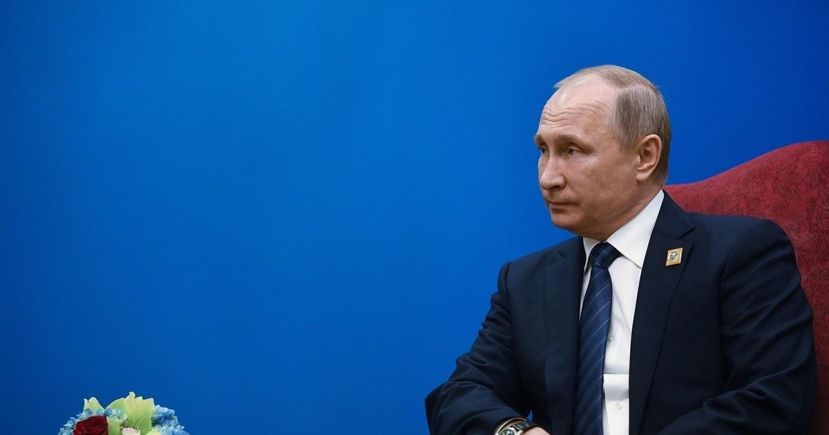 Путин: Зарплаты врачей должны расти вместе со средним заработком по региону