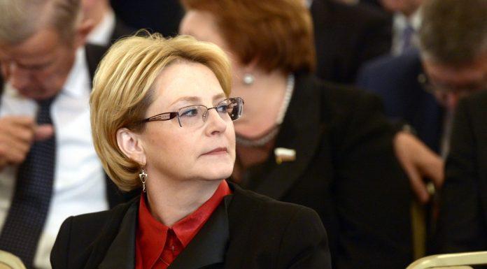 Скворцова пообещала устранить дефицит врачей первичного звена на селе за два года