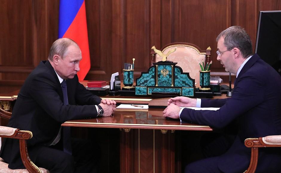 Глава Чукотки рассказал Путину о средней зарплате врачей в 180 тыс. рублей