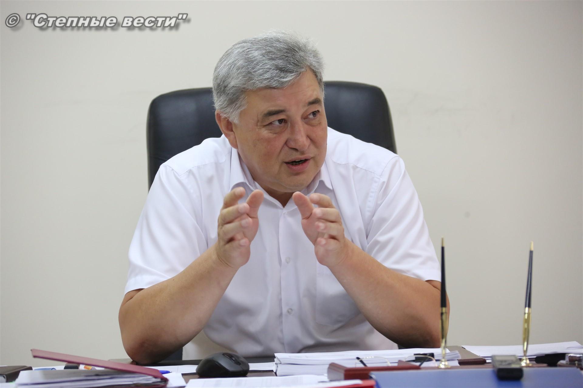 Министр здравоохранения Калмыкии Юрий Кикенов