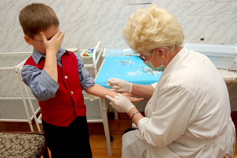 Эксперт: Детям с прививками от туберкулёза после 7 лет проба Манту уже не нужна