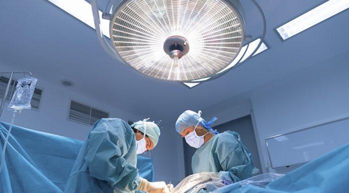 """Росздравнадзор назвал пластических хирургов """"непонятными специалистами"""""""