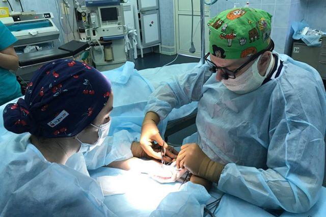 Микрохирург – о том, как в России восстанавливают конечности детям