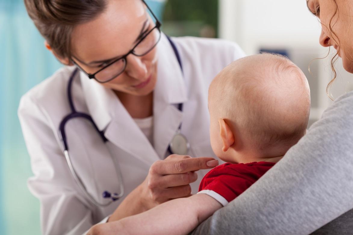 Родители настолько не любят своих детей, что с легкостью рискуют их жизнями, отказываясь от прививок