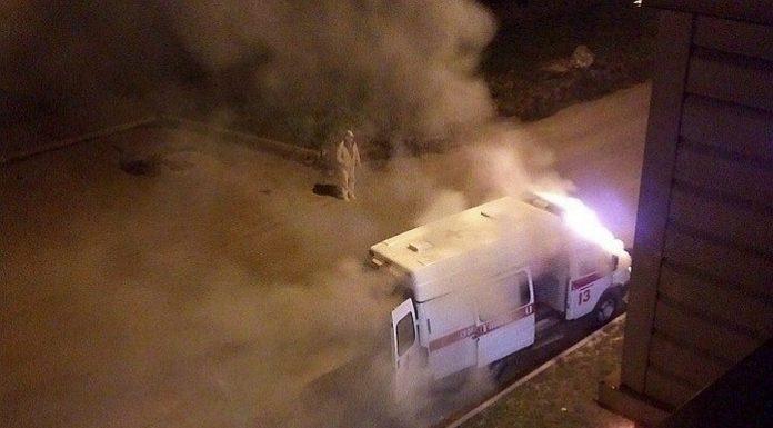В Кемерове загорелась машина скорой помощи