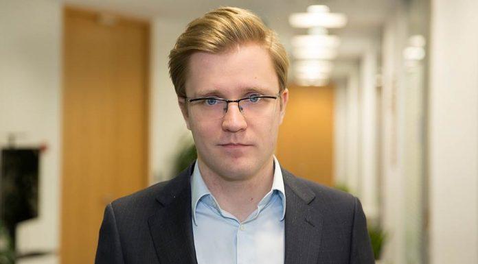 Менеджер департамента консультирования по налогообложению и праву «Делойт» СНГ Виталий Кашин