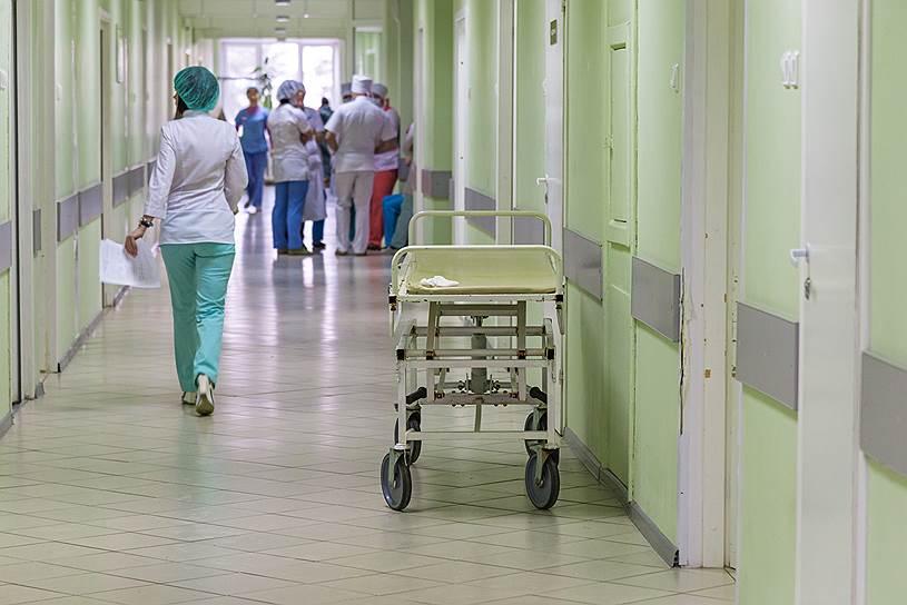 Минздрав РФ планирует лечить пациентов с ВИЧ по временной регистрации