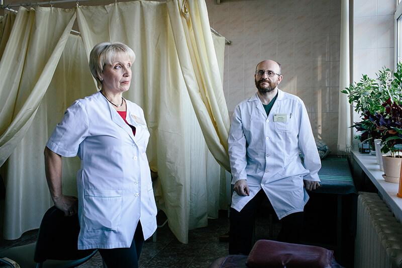 """Профессия российского врача стала """"престижнее"""", но радоваться нечему"""