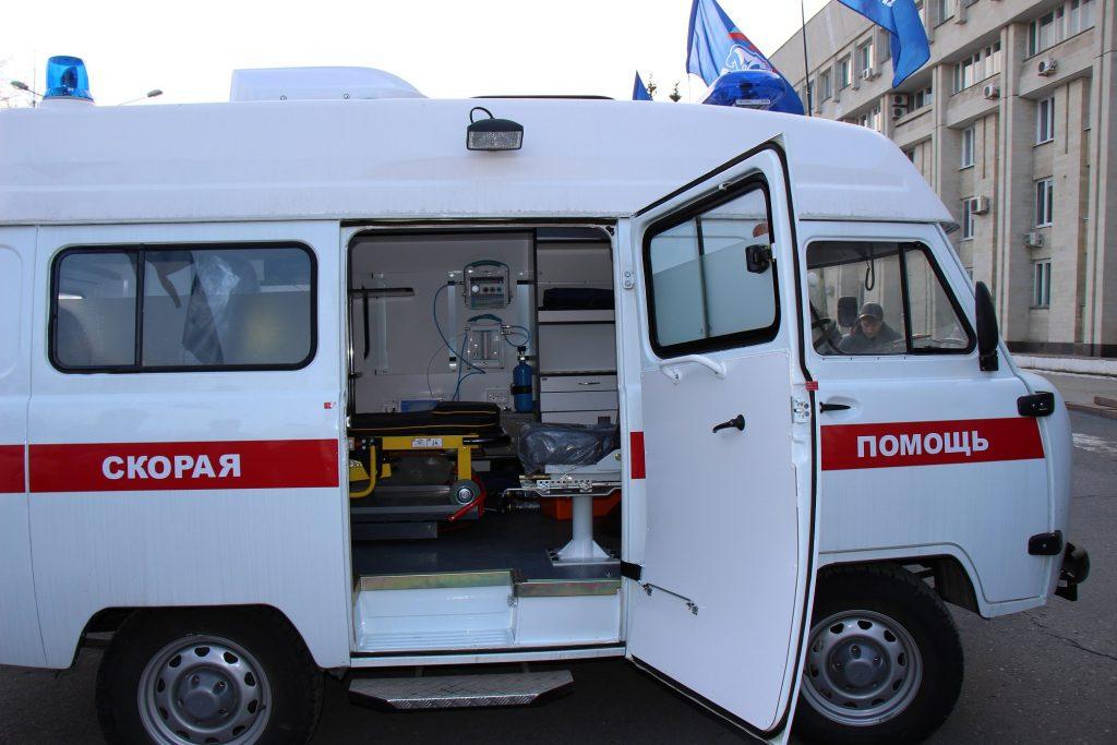 СМИ: В Смоленске охранник стоянки вымогал у приехавшей на вызов «скорой» оплату парковки