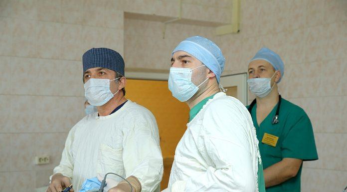 Московские врачи удалили пациентку огромную опухоль из брюшной полости