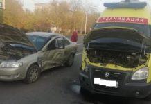 В Череповце авто не уступило дорогу реанимобилю с сиреной: пострадала фельдшер