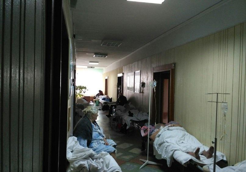 Петербургская прокуратура: медики не имеют права отказывать в госпитализации даже если они перегружены