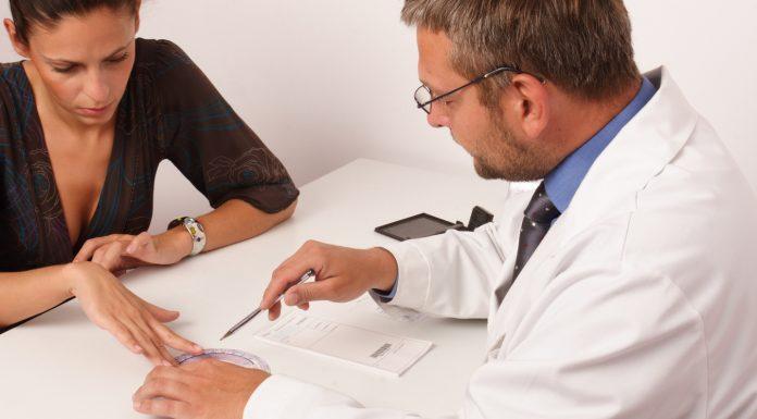 Психотерапевт рассказал, что пациентам с депрессией нужно выдавать больничный лист