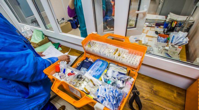 На Урале фельдшера оштрафовали за полупустые чемоданы скорой помощи