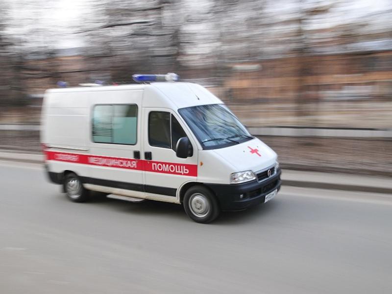 Новосибирец угрожал ножом водителю и угнал «скорую»