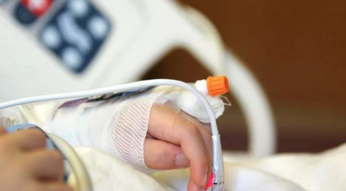 «С тяжелобольными детьми в стационарах начинаются проблемы - их никто не хочет лечить»