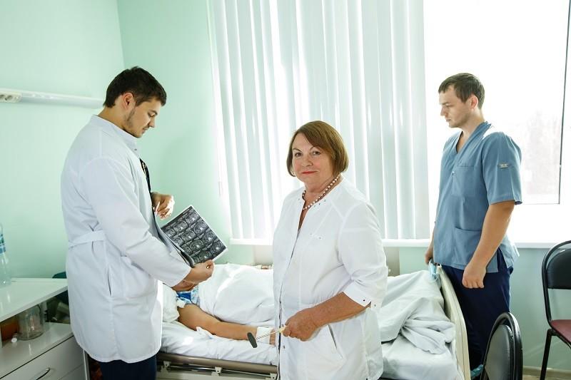 Заведующая нейрохирургическим отделением Воронежской областной больницы №1 Валерия Ланецкая рассказала о своей профессии.