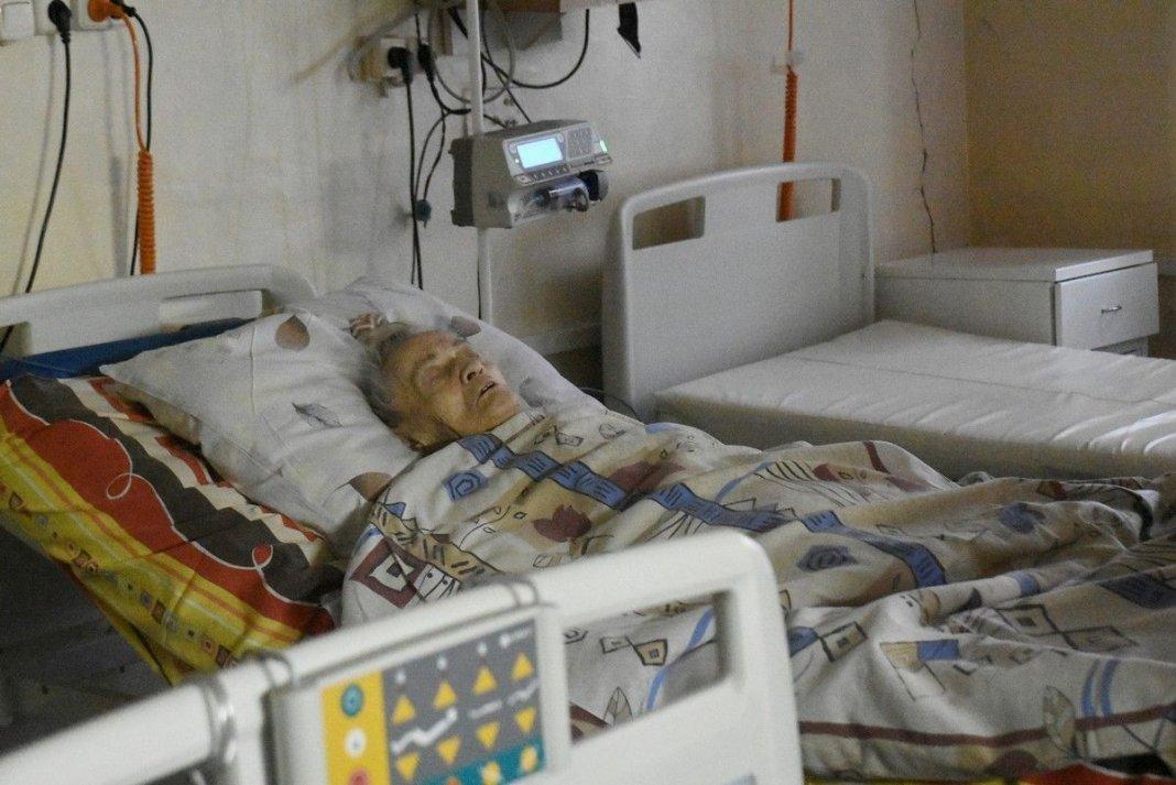 Дело об ампутации «не той ноги» раздувает один сын пациентки, второй – благодарен врачам за спасение матери